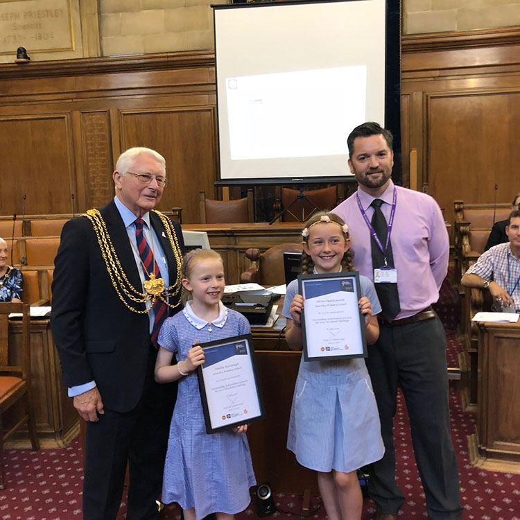 Special healthy living awards for active schoolchildren