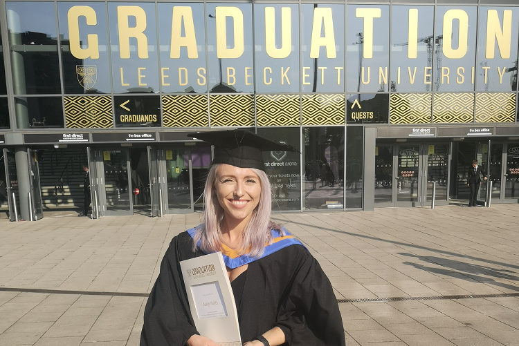 Aukje's graduation is poetry in motion