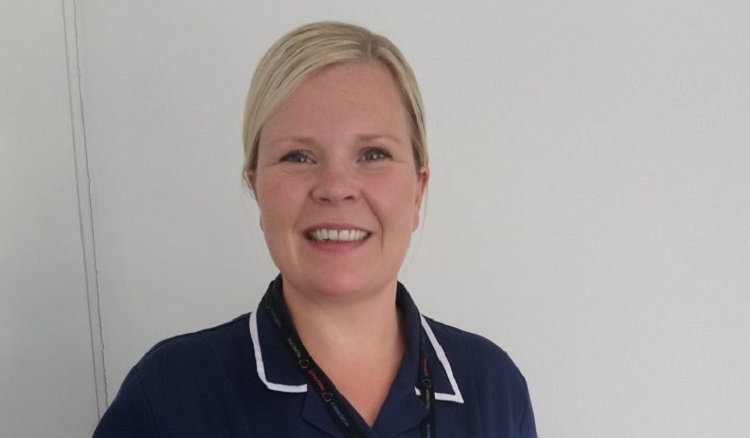 Outstanding district nurse scoops national award