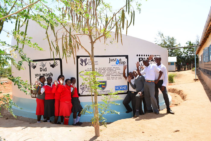 Well done! Water tank built at Kenyan school thanks to Tourism students