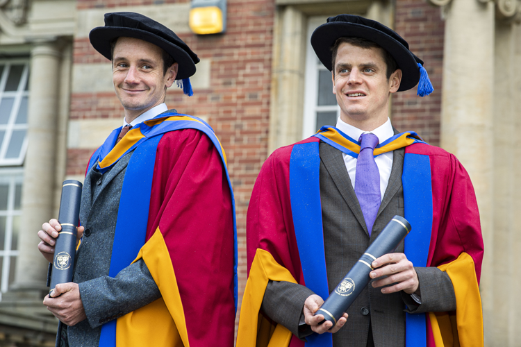 Image of Alistair and Jonathan Brownlee receiving honorary degrees