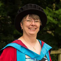 Dr Linda Asquith