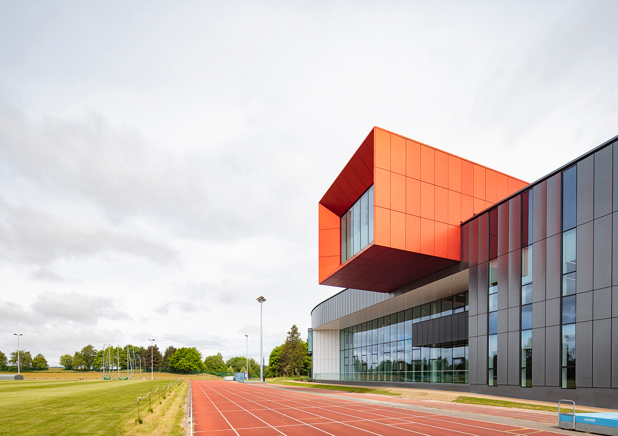 External view from the running track 2