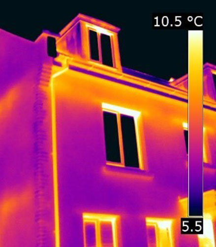 Thermal imagery of a terraced house